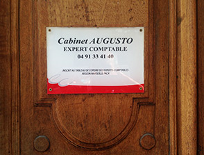 cabinet augusto